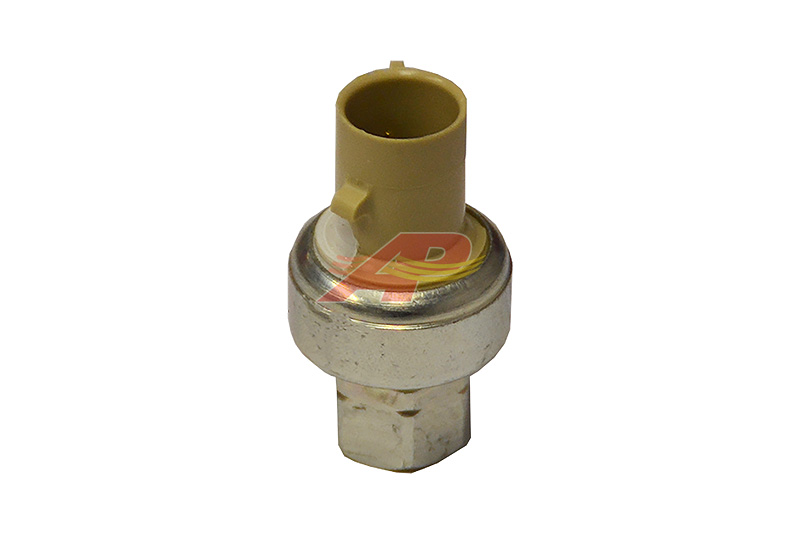 220-460 - Pressure Switch, Low Pressure, Mounted on Evaporator