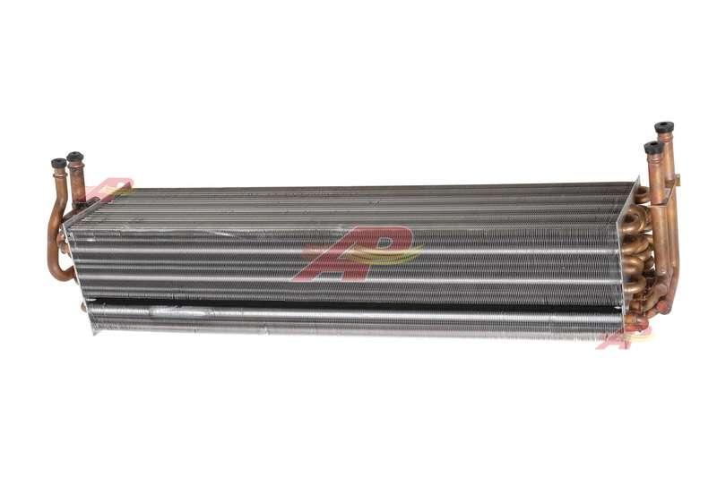 590-3043 - Evaporator, Case New-Holland