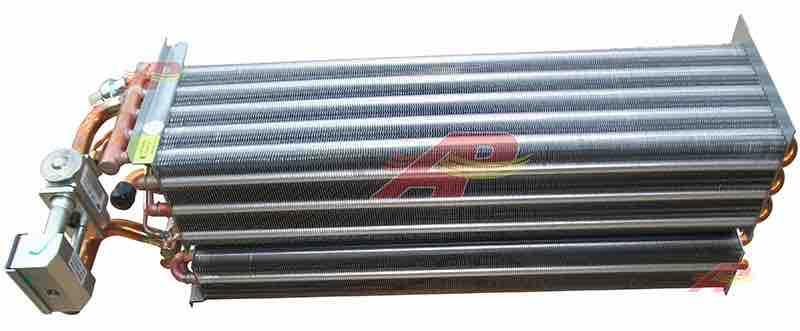 590-22241 - Evaporator + Heater Core + Expansion Valve, Case / New-Holland