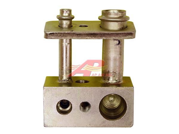 451-11979 - Expansion Valve Fitting with Manifold